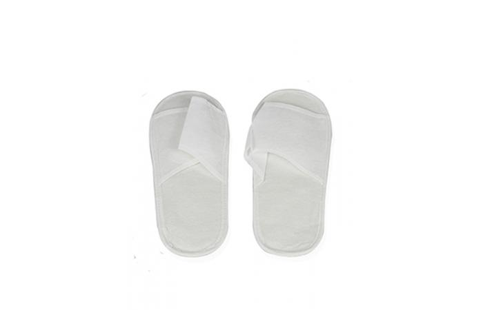 material desechable, chanclas